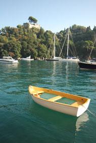 große und kleine Boote