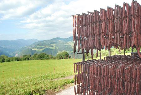 Lufttrocken in Südtirol - man könnte neidisch auf die Würste werden