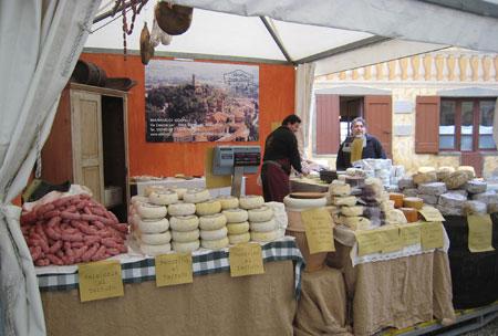 Wurst- und Käseprodukte mit Trüffeln