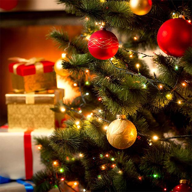 Geschenkideen-zu-Weihnachten-Weihnachtsbaum-Pakete-S