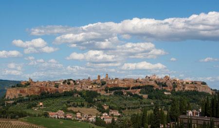 Orvieto mit umliegendem Weinanbau
