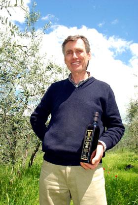 Giancarlo mit seinem Olivenöl