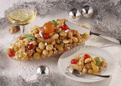 Struffoli, eine Weihnachtsspezialität aus Basilikata