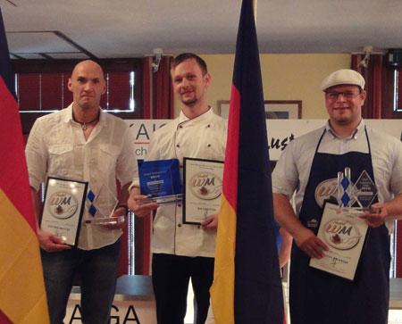 Der Sieger Janko in der Mitte, rechts daneben Martin