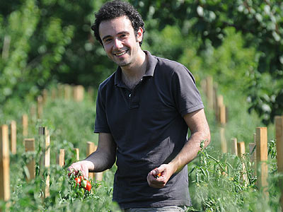 Aldo hilft auch bei der Ernte