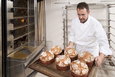 Panettone in einer italienischen Bäckerei