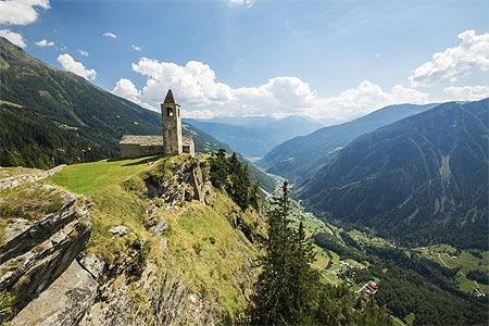 Das Veltlin liegt in den Alpen.