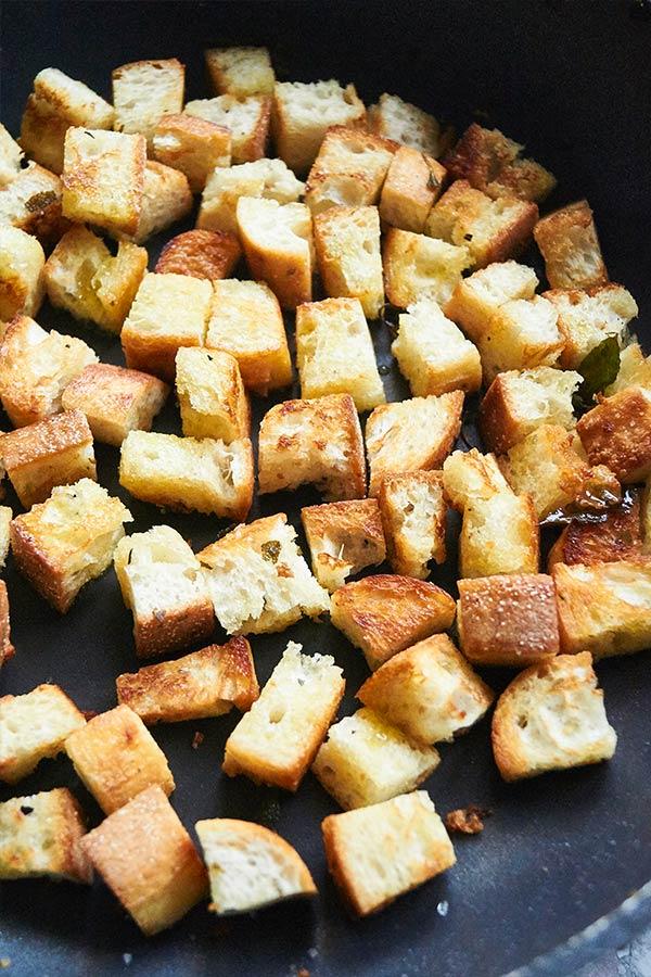 Croutons für panzanella