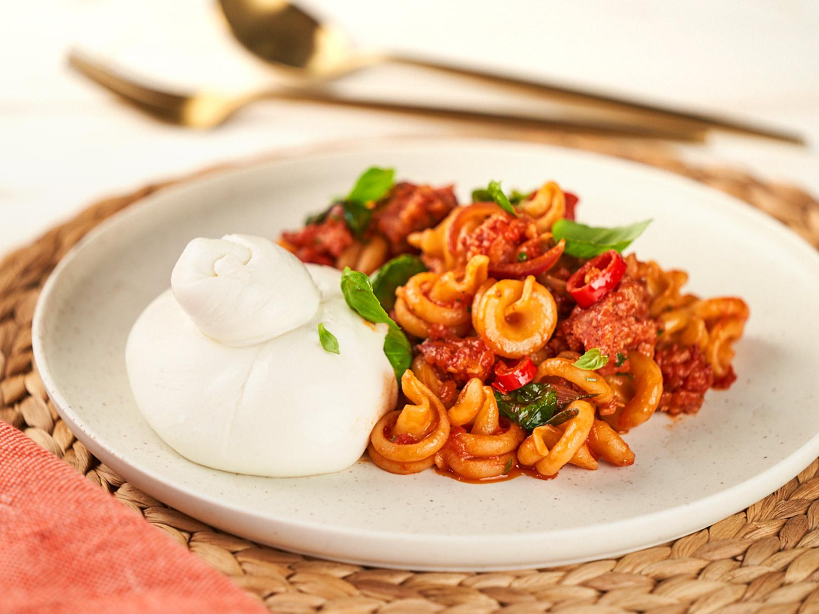 Pasta Salsiccia und Burrata – Rezept