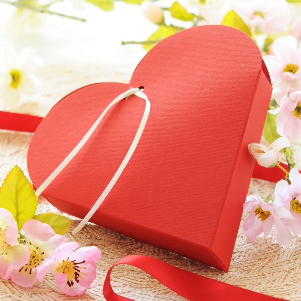 Cuore Rosso Pralinenschachtel in Herzform mit Trüffelpralinen
