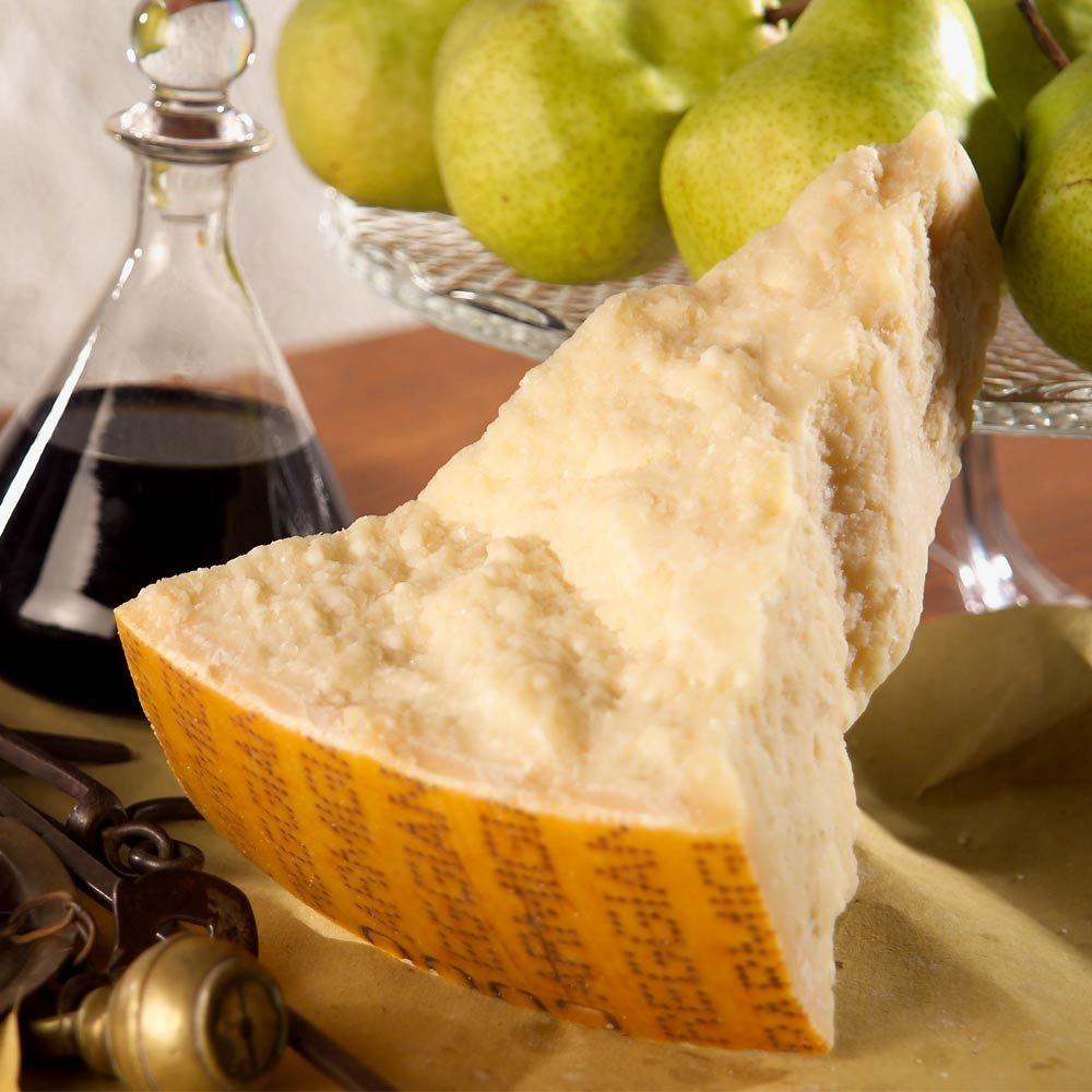 Parmigiano Reggiano extra stravecchione,  Parmesan 72 Monate gereift, 1kg im Geschenkkarton