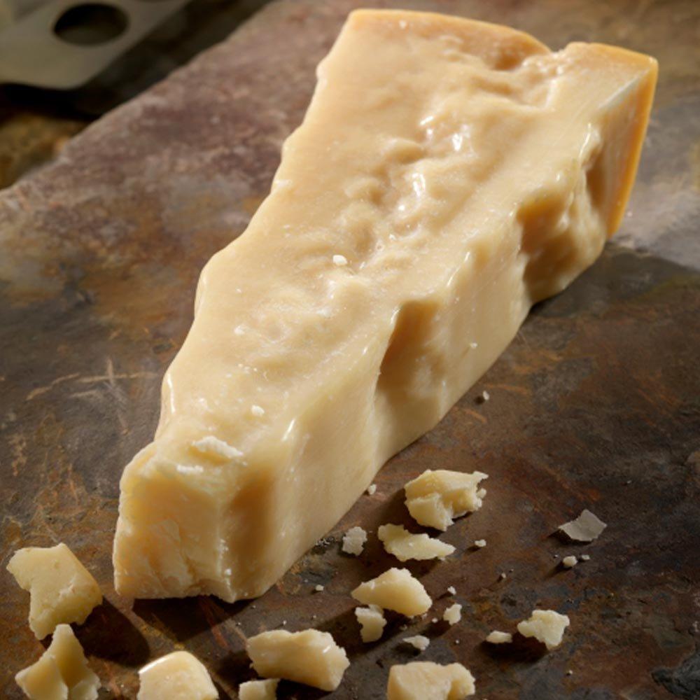 Parmesan 13,5 Monate gereift milder Parmigiano Reggiano DOP