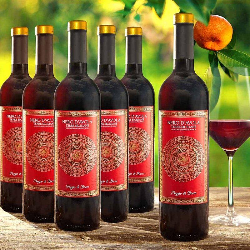 Artikel klicken und genauer betrachten! - Für die italienischen Momente im Leben: Mit diesem Vorteilsset aus sechs Flaschen Nero d'Avola können Sie den sizilianischen Rotwein mit dem vollmundigen Bouquet von Schokolade und dunklen Beeren lange genießen. | im Online Shop kaufen