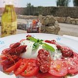 Vorteilspaket mit getrockneten Tomaten und Burrata